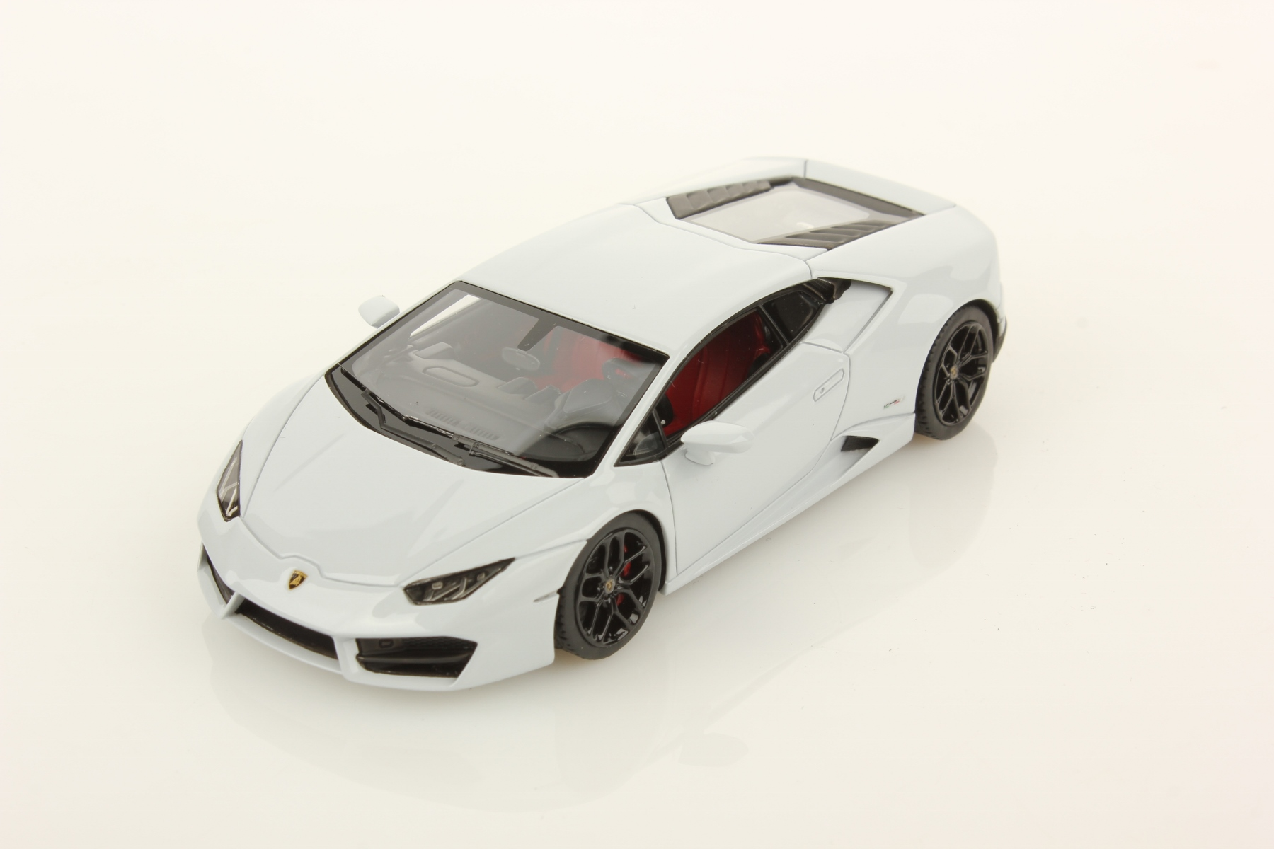 white lamborghini huracan lp - photo #24