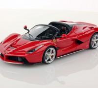 Ferrari-LaFerrari-Aperta-1-43-red_01