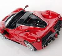 Ferrari-LaFerrari-Aperta-1-43-red_04