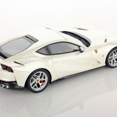 Ferrari 812 Superfast 1:43