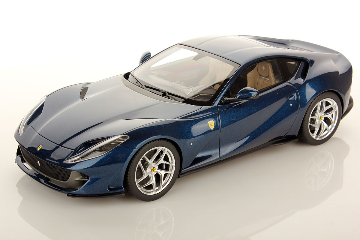 ferrari 812 superfast 1 18 looksmart models. Black Bedroom Furniture Sets. Home Design Ideas