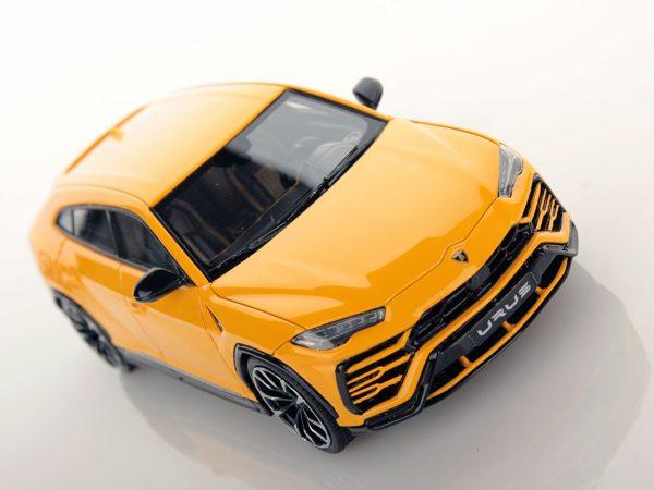 Lamborghini Urus 1:43