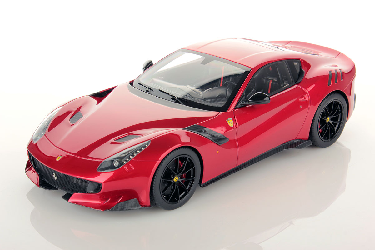 ferrari f12 tdf 1 18 looksmart models. Black Bedroom Furniture Sets. Home Design Ideas