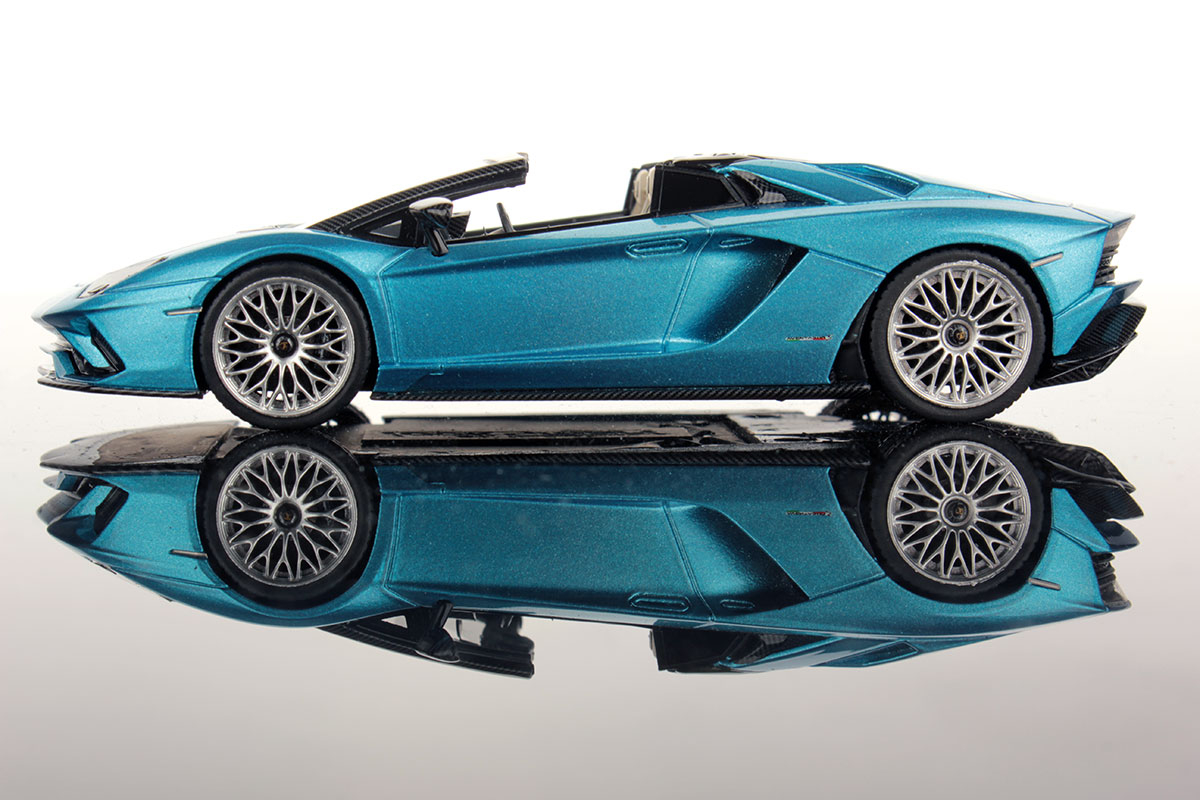 Lamborghini Aventador S Roadster 1 43 Looksmart Models