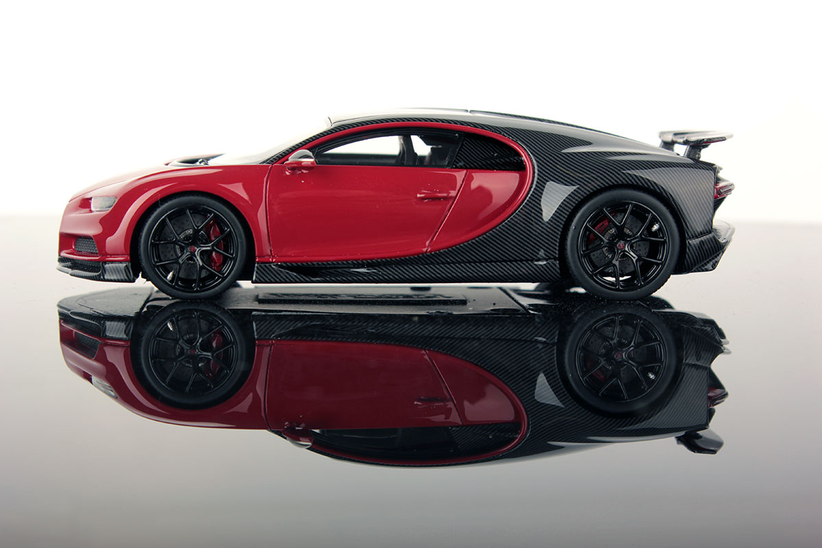 bugatti chiron sport with open wing 1 43 looksmart models