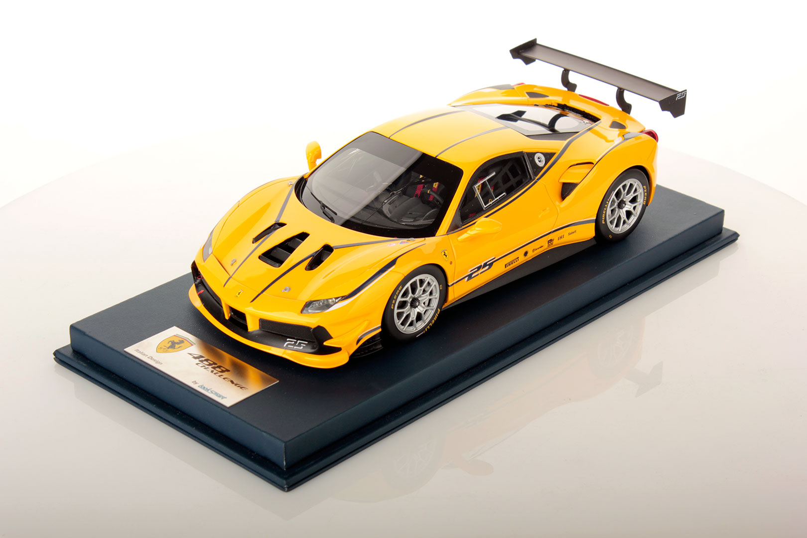 Ferrari 488 Challenge 1 18 Looksmart Models