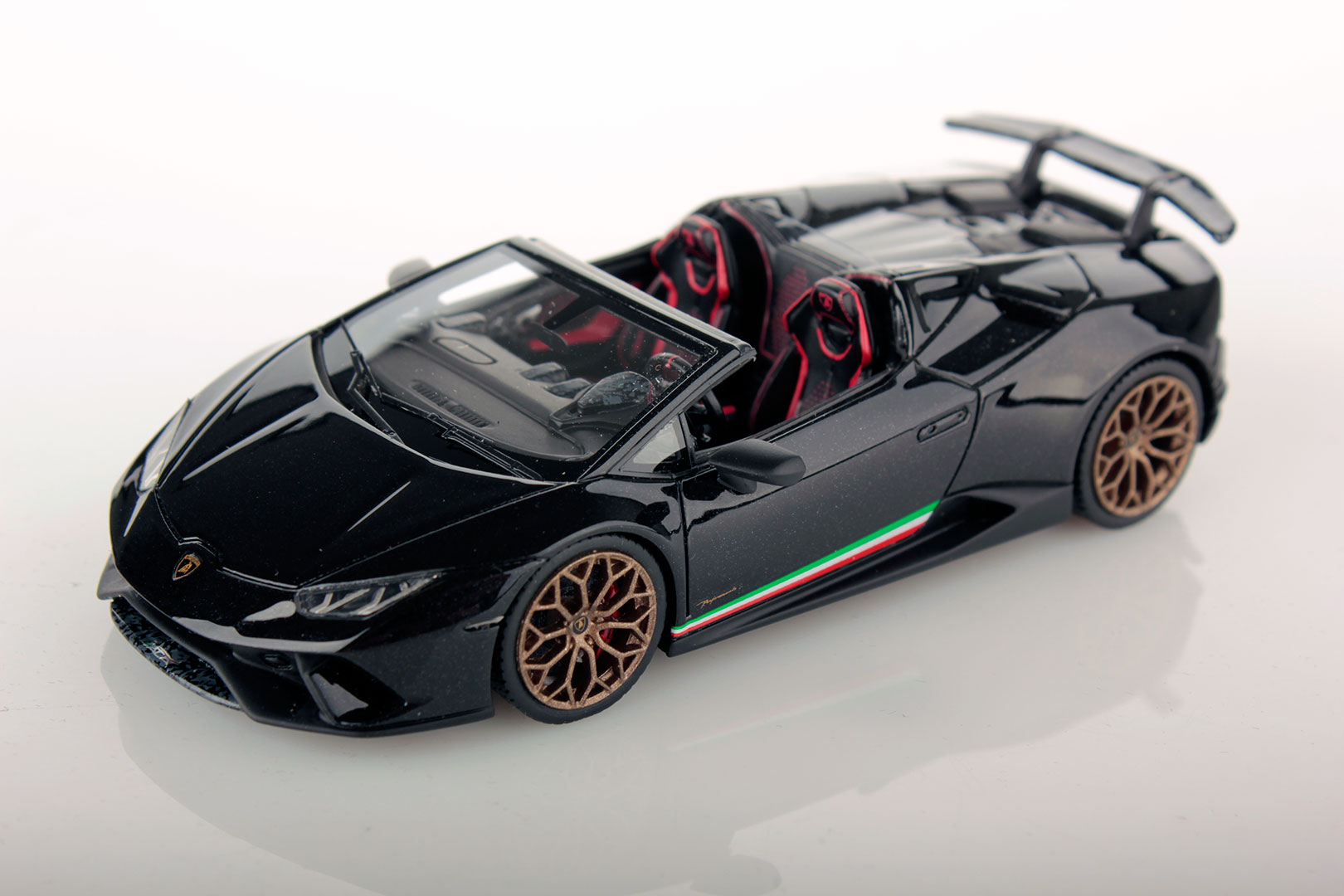 Lamborghini Huracan Performante Spyder 1 43 Looksmart Models