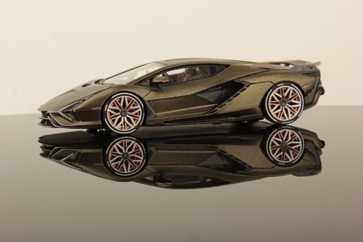 Large Collection. 1//43 Scale Model Cars Lamborghini